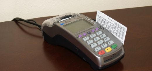 credit-card-machine-1776539_1920