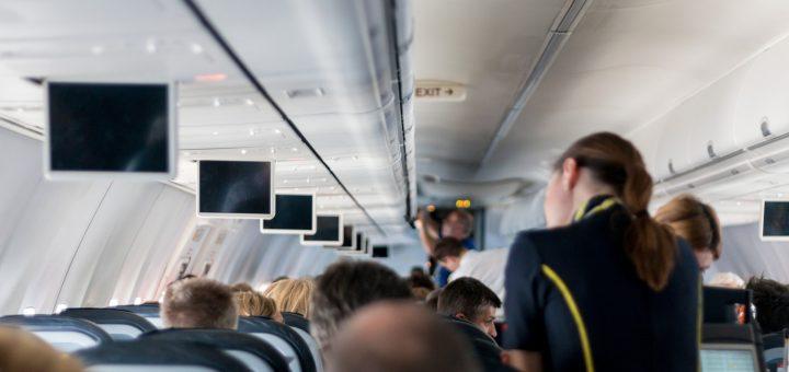 aircraft-2104594_1920